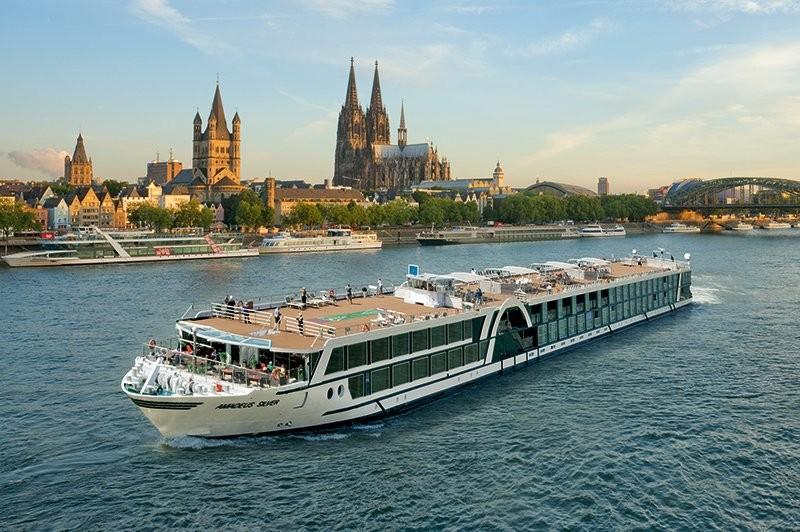 croisi re travers e de l 39 europe amsterdam budapest en juillet 2016 par l ftner cruises. Black Bedroom Furniture Sets. Home Design Ideas