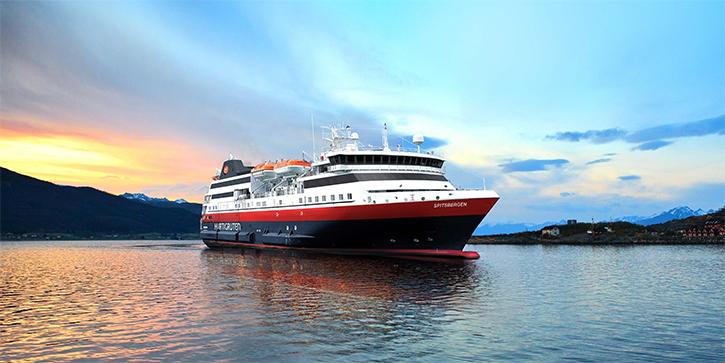 Le MS Spitsbergen (Hurtigrüten) sera baptisé dans les îles Lofoten
