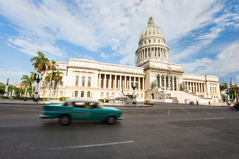 Royal Caribbean positionne un navire à Cuba