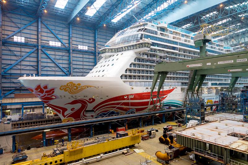 Meyer Werft met à flot le Norwegian Joy
